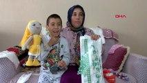 İzmir oğlunun tedavisi için ördüğü ürünleri satan anneden yardım talebi