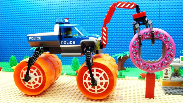 Lego Police Super Truck Steamroller Parkour Kinetic Sand Fail