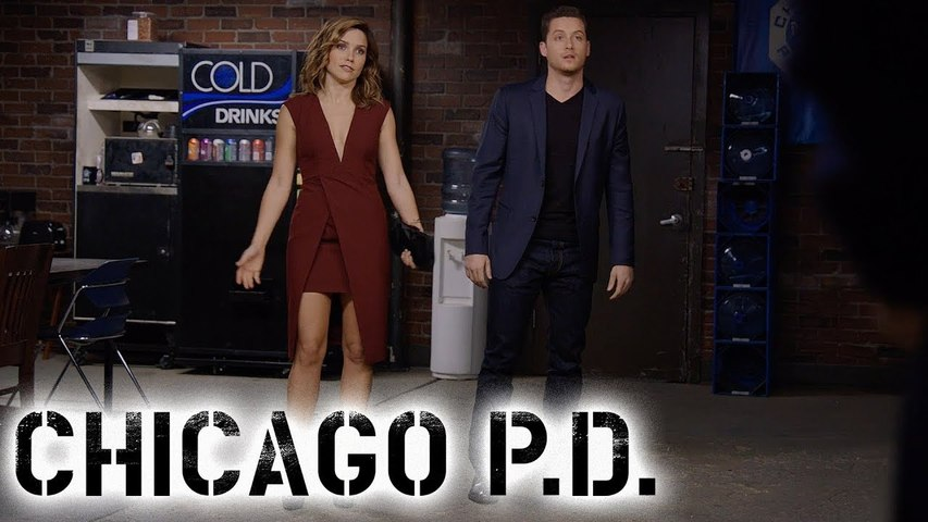 Halstead And Lindsay Go Undercover | Chicago P.D