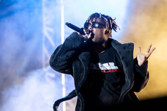 Drake, Chance the Rapper and More Pay Tribute to Juice WRLD