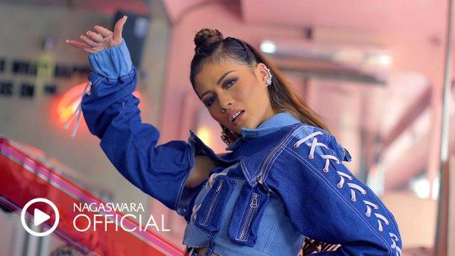 Hesty Klepek Klepek - Kita Putus Aja (Official Music Video NAGASWARA) #music