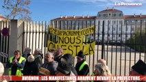 Avignon : la manifestation arrive devant la Préfecture