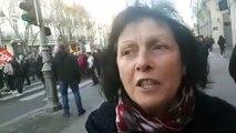 Marie-Françoise, 67 ans, parmi les manifestants, explique pourquoi elle refuse d'avoir droit à seulement 500 euros de retraite par mois alors qu'elle a travaillé toute sa vie.
