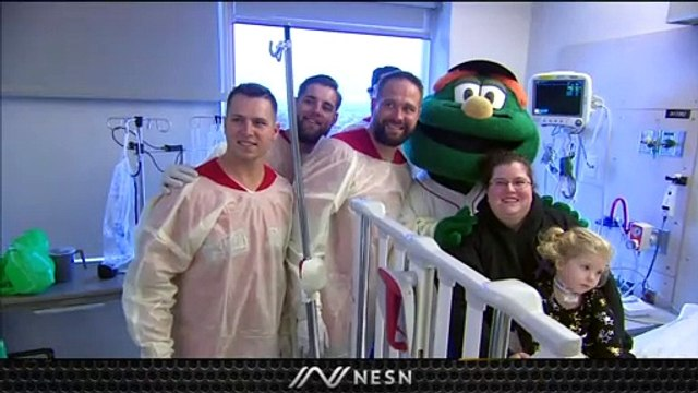Red Sox, Patriots Spread Holiday Cheer With Hospital Visit