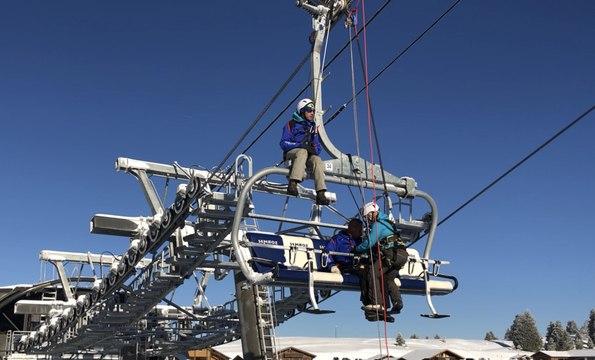 Haute-Savoie : le personnel de la station du Semnoz formé à l'évacuation verticale d'un télésiège