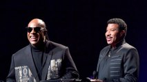Lionel Richie is convinced that 'Stevie Wonder can see'