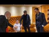 U hodhën nga pallati për t'i shpëtuar tërmetit, dy djemtë nga Thumana takojnë Ronaldon dhe Buffon