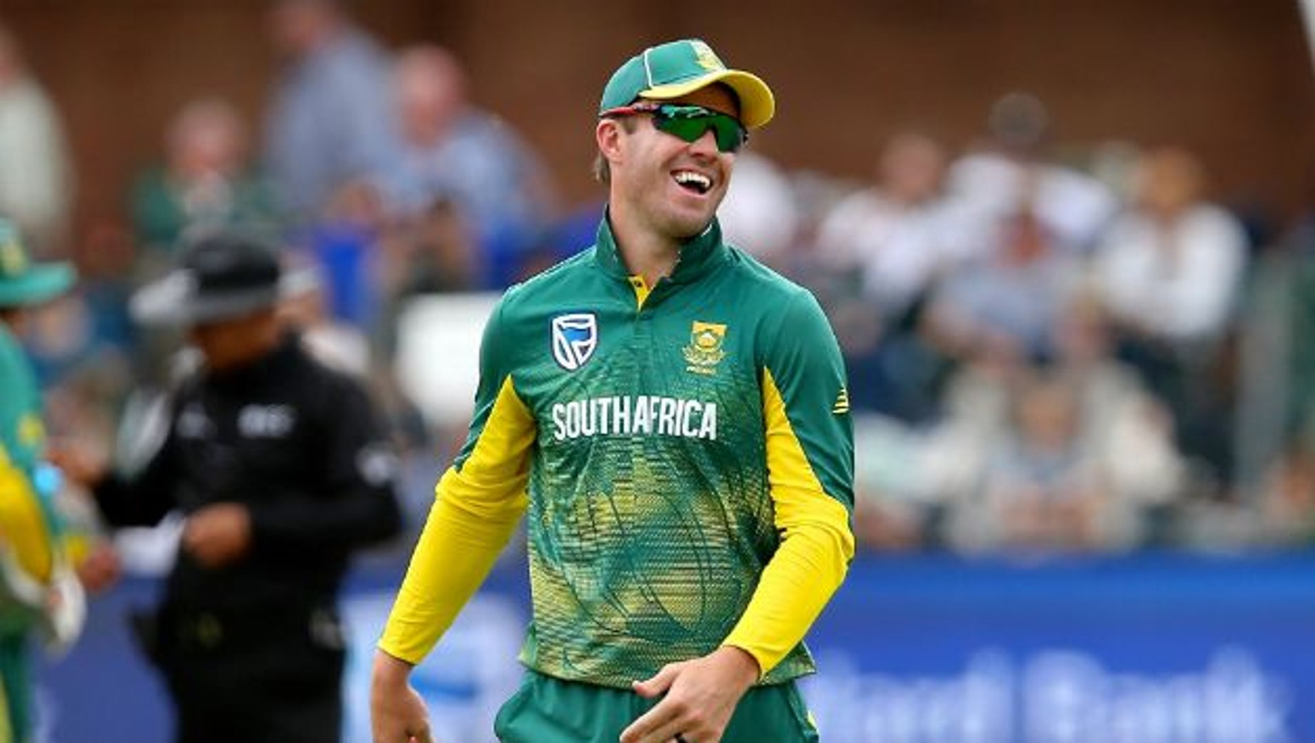 Boucher Hints at De Villiers' Possible Return   Oneindia Malayalam