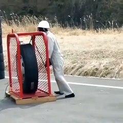 Ce qui arrive lorsqu'un pneu de camion explose