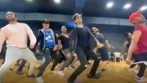 Kartik Aaryan CRAZY Dance On Salman Khan's Munna Badnaam Hua In Dheeme Dheeme Style