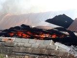 İzmir'de ahşap sandalye fabrikasında yangın