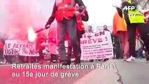 Retraites: manifestation à Paris au 15e jour de grève