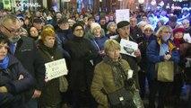 Le gouvernement polonais veut museler ses juges, manifestations à Varsovie