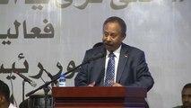 السودانيون يحيون الذكرى السنوية الأولى للثورة وحمدوك يتعهد ببناء دولة ديمقراطية
