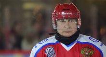 Así marca cinco goles Putin en un partido de hockey de la liga de aficionados