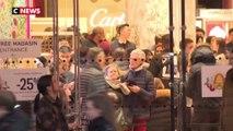À cause de la grève, de nombreux Parisiens font leurs cadeaux de Noël à la dernière minute
