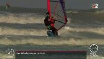 Manche : les surfeurs profitent de la tempête Fabien