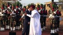 """Emmanuel Macron appelle à """"clarifier l'opération Barkhane"""" au Sahel"""