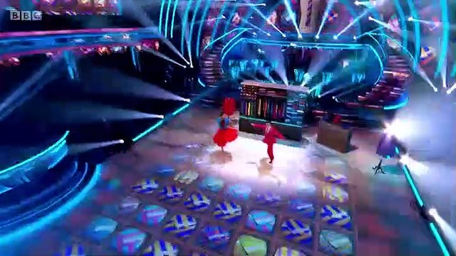 Strictly Come Dancing S17E25 part 1
