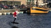 Saint-Malo. Le père Noël fait du surf !
