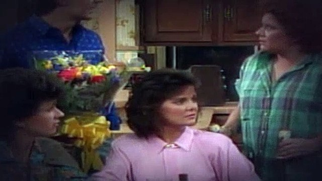Married with Children S02E05 Girls Just Want to Have Fun Pt 1