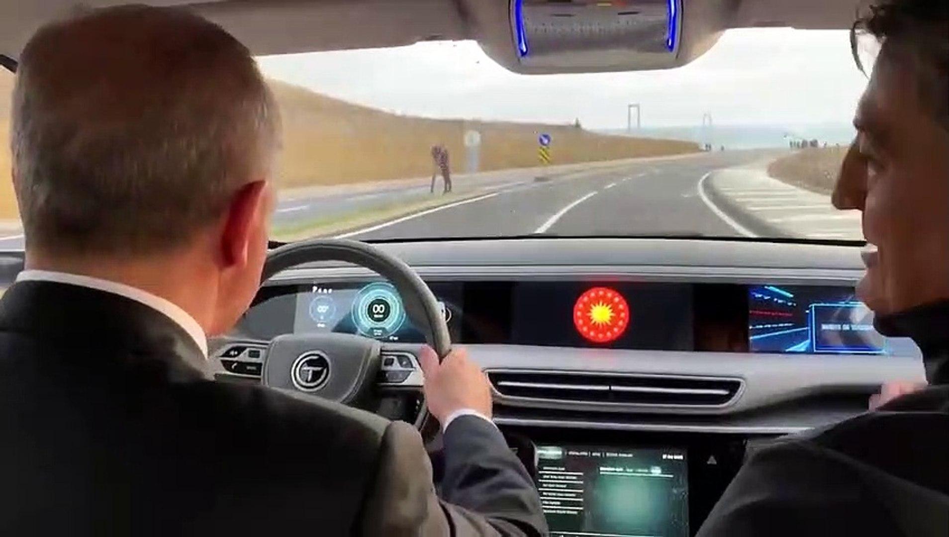 Cumhurbaşkanı Erdoğan 'Türkiye'nin Otomobilini' test etti