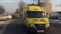 Avião que caiu no Cazaquistão bateu contra edifício