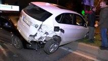 Hafif ticari araç, lüks otomobile çarptı 1 yaralı