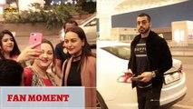 Dabangg3 actress Sonakshi Sinha & Gautam Gulati clicks selfie with fans at the Airport