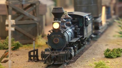 Model Railroading in the Standard Oil Fields: HOn3 Model Railroad Layout by René Paul - Video by Pilentum Television about rail transport modeling, trains, model railroading, railway modelling, model railways and model railroads