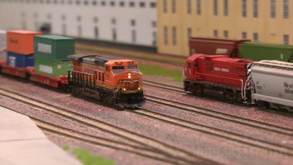 Long Train Running: Spotting Red Caboose, Atlas, Kato and Athearn Model Trains in N Scale - Video by Pilentum Television about rail transport modeling, trains, model railroading, railway modelling, model railways and model railroads