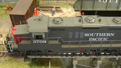 """Rail Transport Modeling in Front of the """"Arizona Cold Storage Warehouse"""": Industry Switching Layout in HO Scale - Video by Pilentum Television about rail transport modeling, trains, model railroading, railway modelling, model railways and model railroads"""