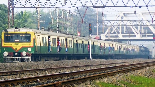 Four EMU Local train in one take – two back to back crossing other two made a parallel run