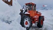 Tunceli'nin ilçelerinde kar kalınlığı 1 metreye yaklaştı
