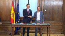 Sánchez e Iglesias firman el programa de su futuro gobierno de coalición