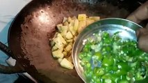 poha recipe,Vegetables poha recipe, वेजीटेबल पोहा ऐसे बनाएंगे तो खाते रह जाएंगे,Poha recipe in hindi,Poha recipe,quick breakfast recipes,homemade poha recipe,maharashtrian poha recipe