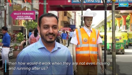 Police dress up mannequins to catch traffic offenders in India