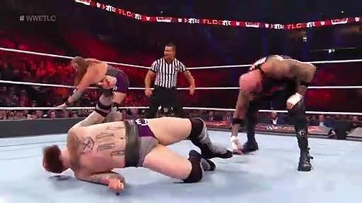 WWE TLC: Tables, Ladders & Chairs | Nefes Kesti! (Türkçe Anlatım)