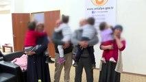 Çöp evde bulunan 4 kardeşi sevgiyle bağırlarına bastılar