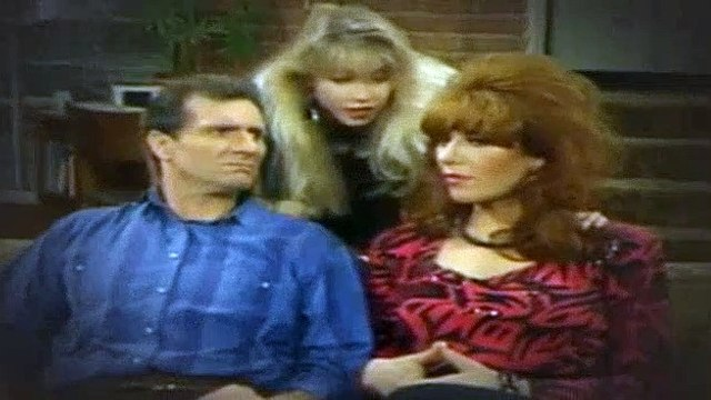 Married with Children S03E15 The House That Peg Lost