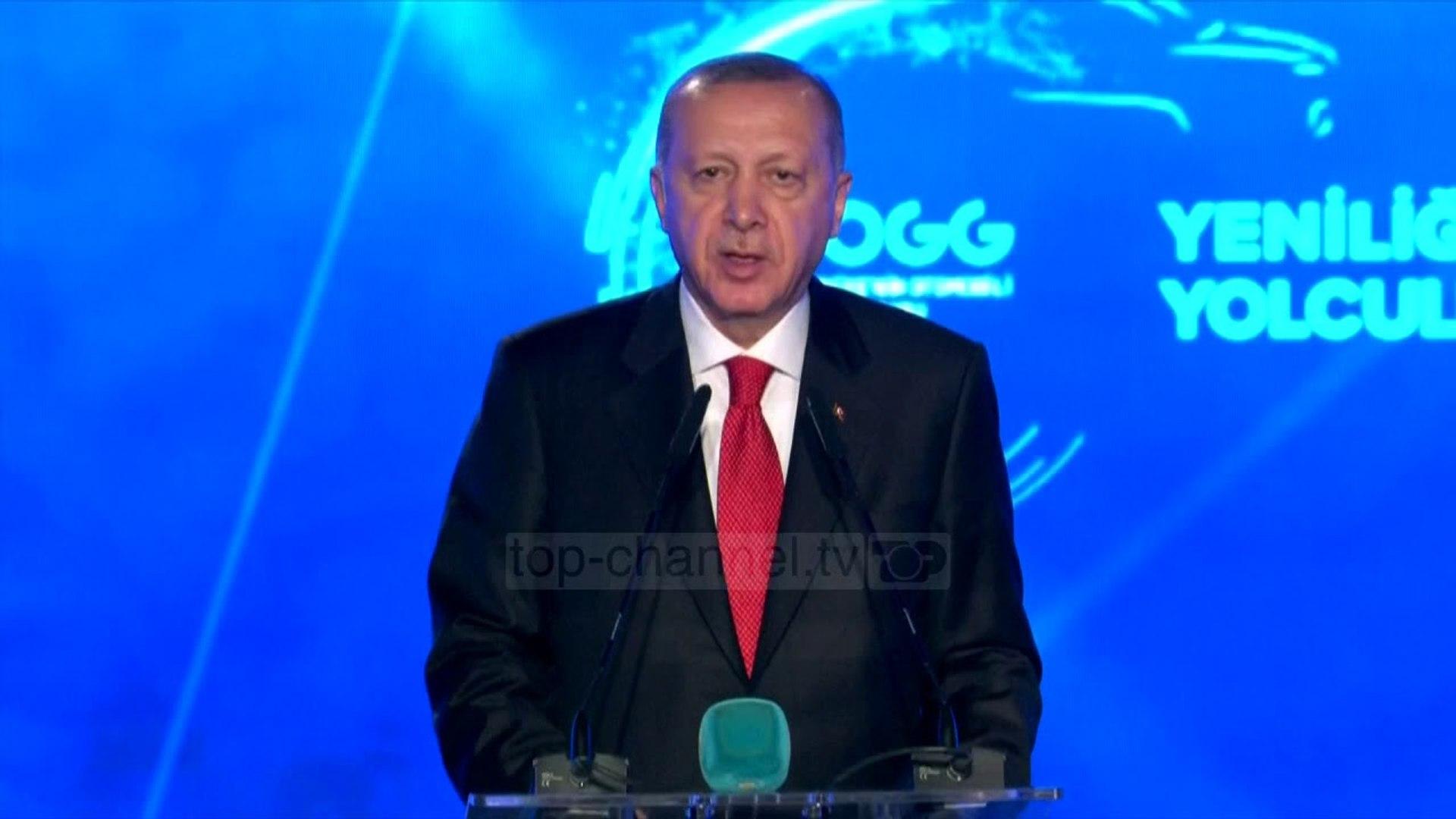 Makina e parë turke/ Prezantohet nga Erdogan, 100% elektrike, del në shitje në 2022