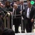 Regardez l'arrivée d'Harvey Weinstein affaibli et en déambulateur il y a quelques instants au tribunal de New York pour son procès