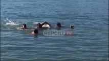 Report TV -Uji i Bekuar/ 6 të rinjtë nga Saranda hidhen me kokë në det për të nxjerrë kryqin