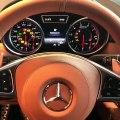 Ferrari, Lamborghini, Aston Martin... il nous fait écouter le moteur des voitures les plus chères du monde
