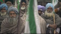 Nationwide strike in India after farmers' suicides