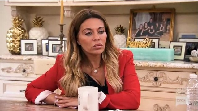 The Real Housewives Of New Jersey S10E10 (Jan 08, 2019) Abs & Jabs