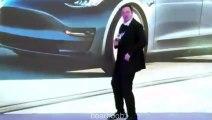 Elon Musk danse sur scène en Chine sans musique LOL - Parodie