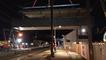 La passerelle de la nouvelle gare d'Auray est posée