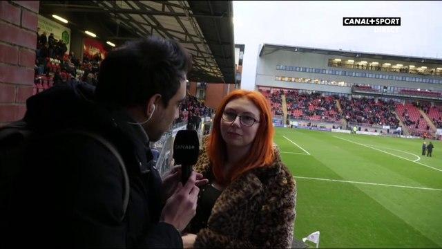 Cette supportrice habite à l'intérieur d'un stade anglais !