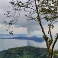 Netizen captures as Taal Volcano erupts